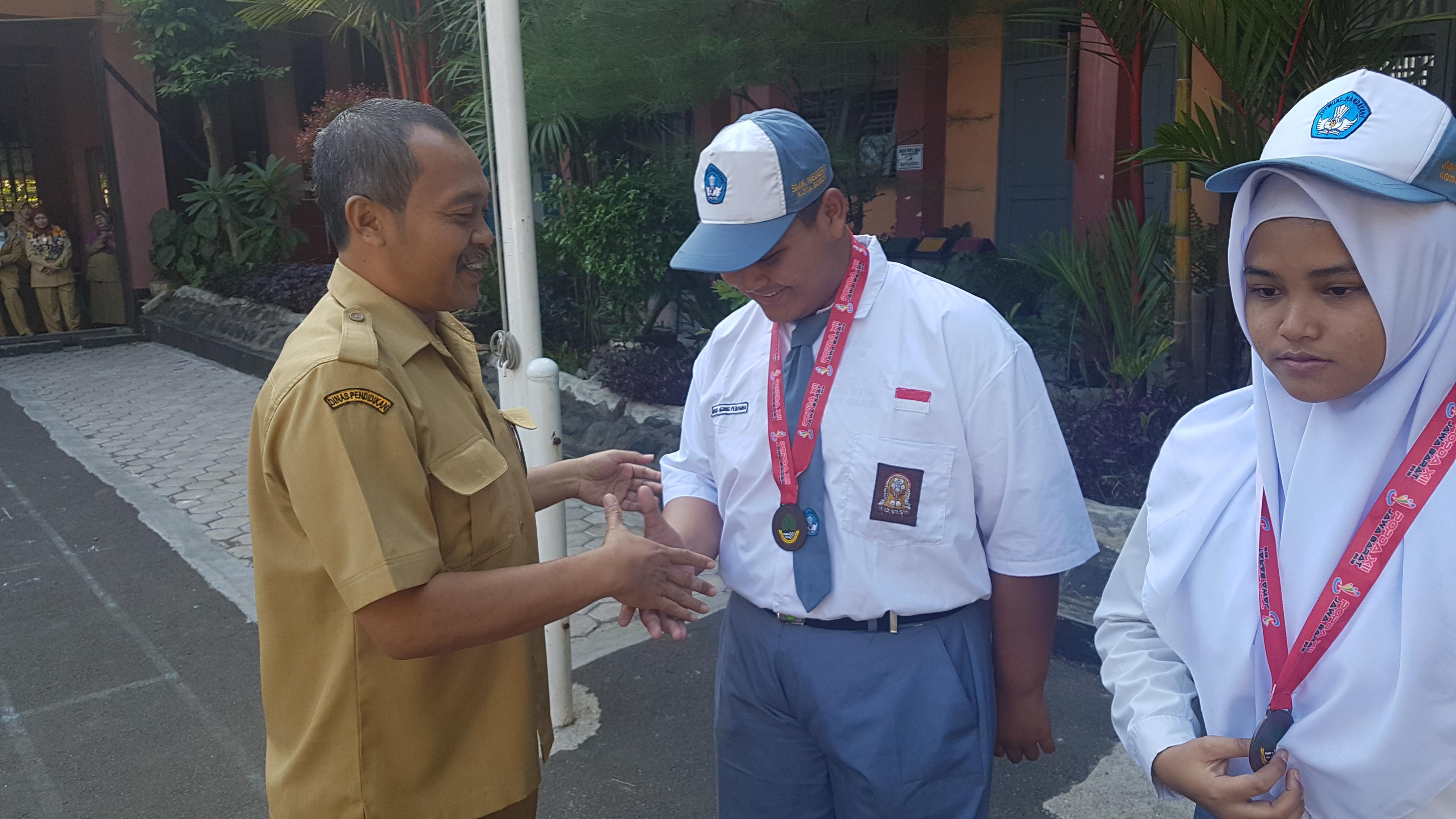 Juara 1 POPDA Jawa Barat Cabang Angkat Besi