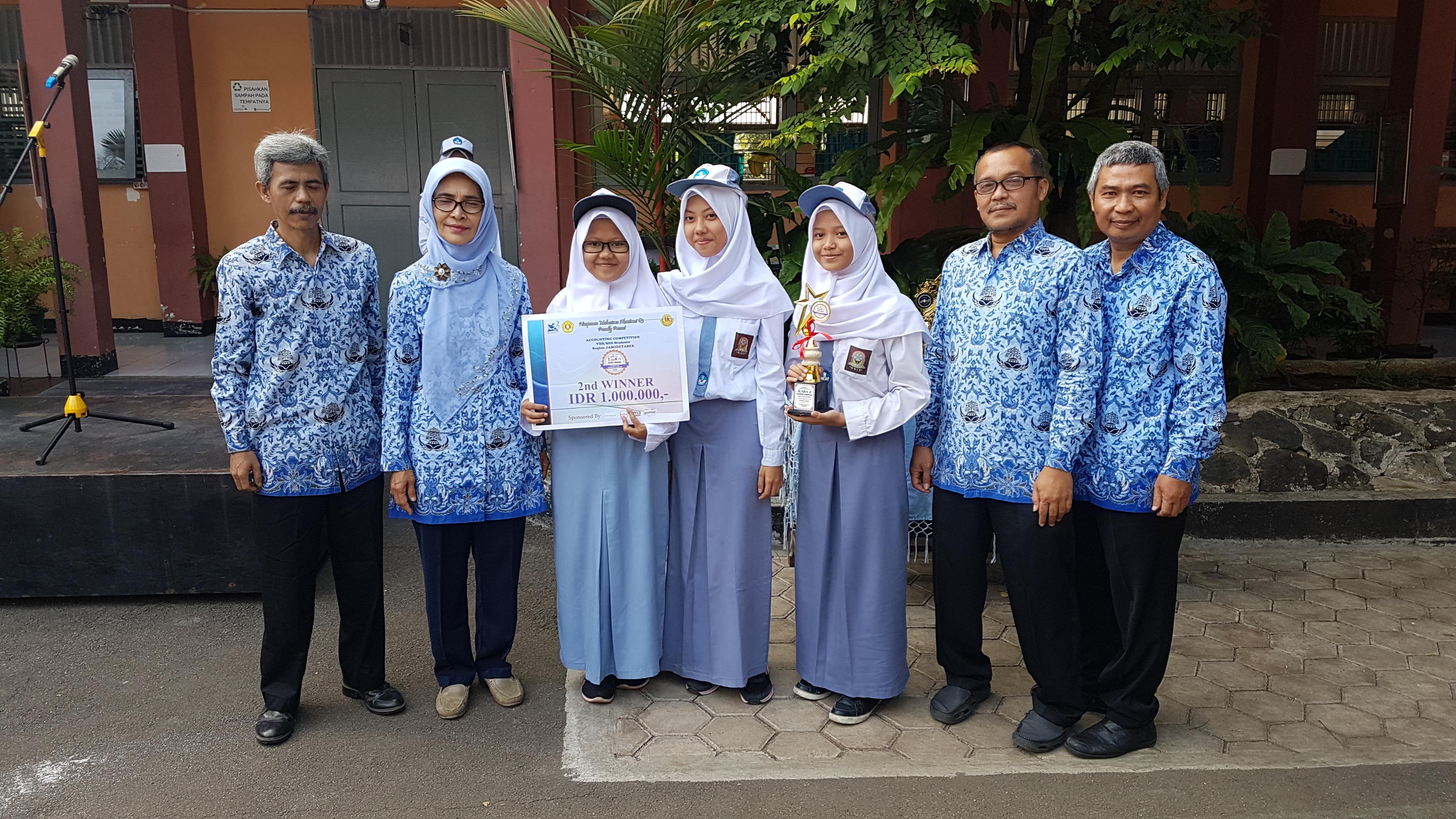 """Juara 1 Lomba Akuntansi """"ACSEN HIMADA"""" Universitas Veteran Jakarta"""